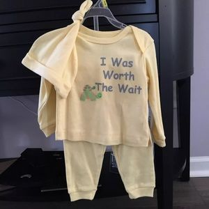 Other - 6-9 Month Outfit